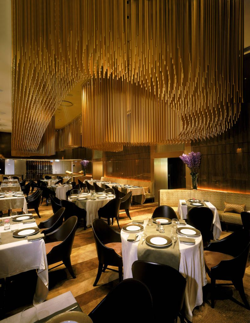 Amber restaurant at the mandarin oriental hong kong for Best modern interior design