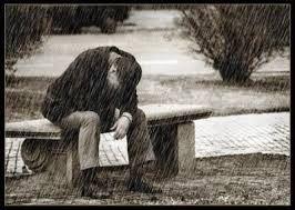 Resultado de imagen para personas llorando en blanco y negro