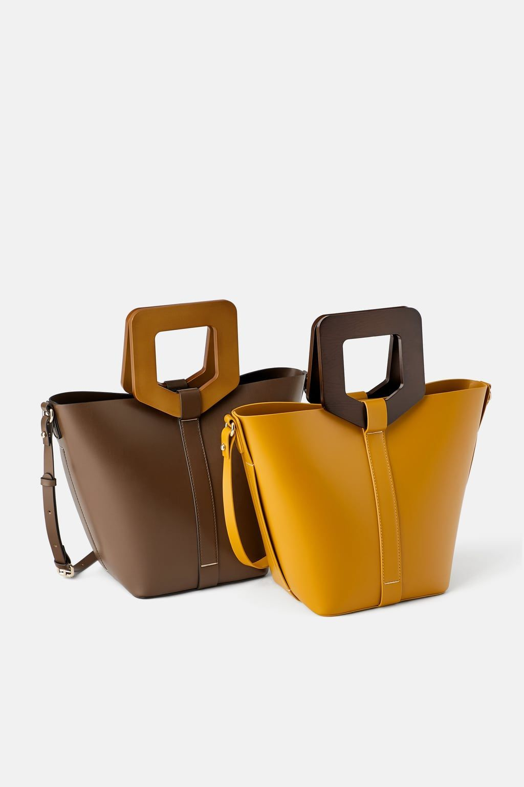 Sztywna Torba Typu Shopper Z RĄczkami Z Tworzywa ImitujĄcego Drewno Bolsodelasmujeres Dre In 2020 Lederhandtaschen Designer Taschen Shopper Tasche