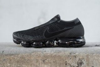 Comparison of the CDG and AllBlack Nike Air VaporMax