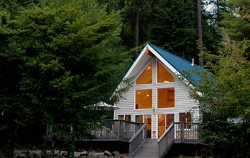 Little Bears Cabin: Located Just Outside Of Mount Rainier National Park, WA  This Secluded