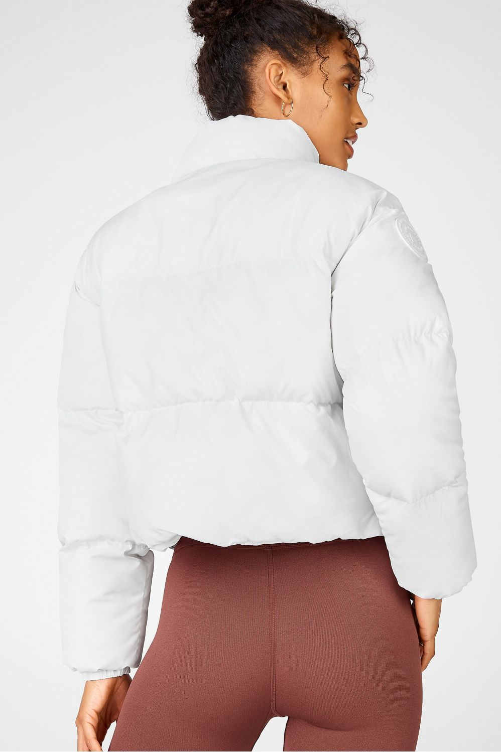 Wander Cropped Puffer In 2021 Cropped Puffer Jacket Outfit Crop Top Outfits Summer Puffer Jacket Outfit [ 1498 x 998 Pixel ]