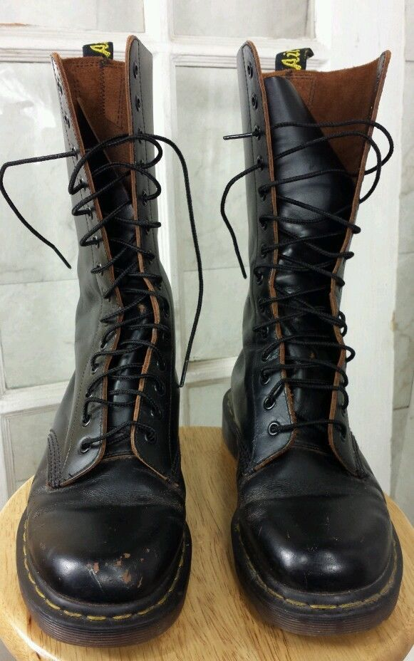 fa2b0916546b6 Vintage Doc Marten Black 1914 Made in England 14 eye Boots  DrMartens  Boot