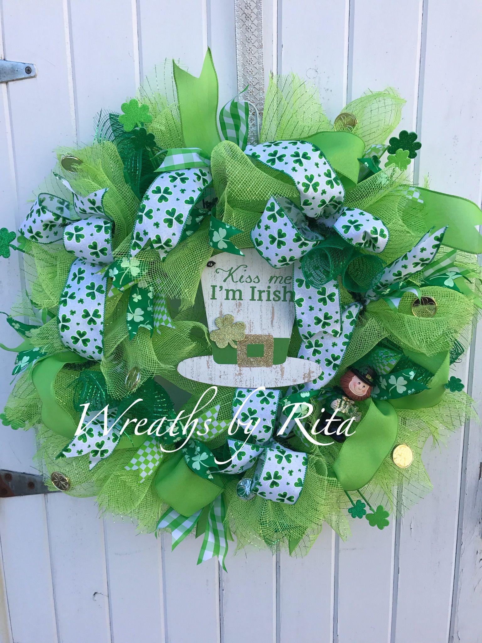 Kiss me I'm Irish! Christmas wreaths, Holiday decor