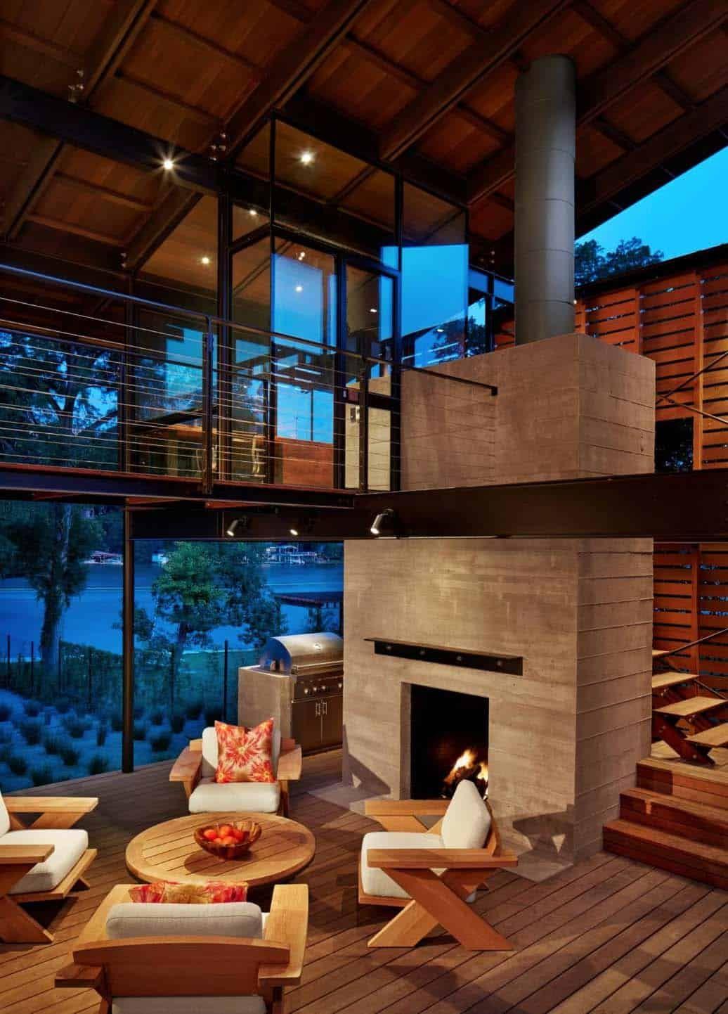 Fabulous Modern Lakeside Retreat Set On The Shores Of Lake Austin