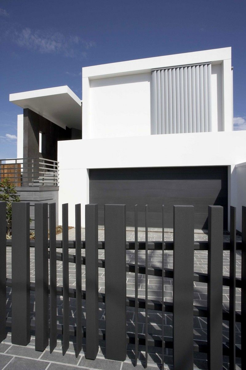 Exterior Designs. Fancy Modern Minimalist House Exterior Design With Black Guardrail Idea In Con