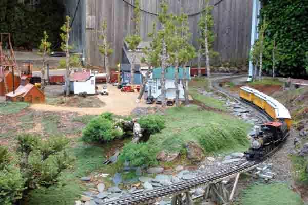 Preview The December 2015 Issue Of Garden Railways Magazine Garden Railways Magazine Garden Railroad Garden Railway Garden