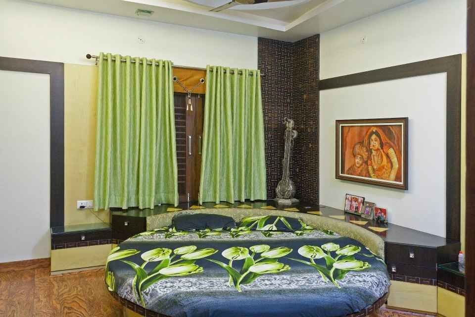 Round bedroom for kids with paiting design by Chitra ...