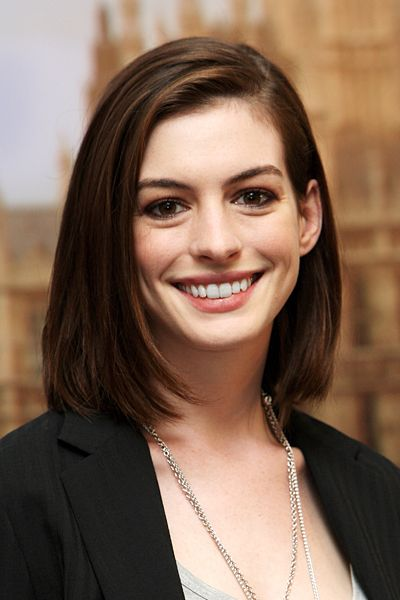 kreative long bob frisuren 2015 anne hathaway. Black Bedroom Furniture Sets. Home Design Ideas