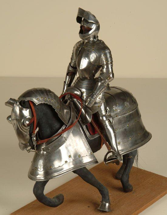 © Musée barrois – Petite armure de chevalier