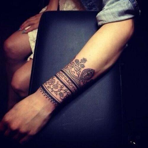 Wrist Cuff Lace Mandala Mehndi: 28 Pretty Wrist Tattoos For Women And Girls (1)