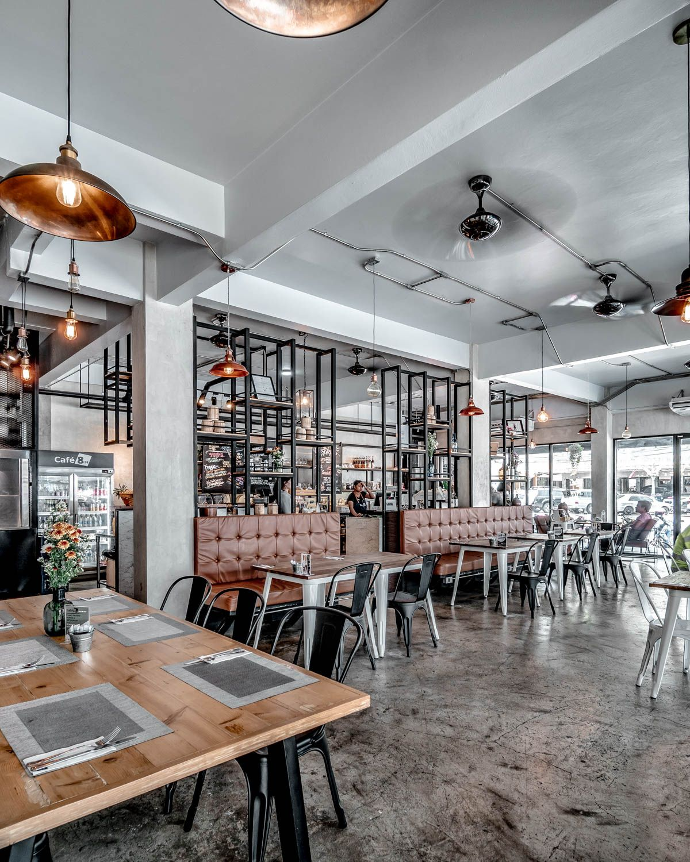 desain cafe industrial