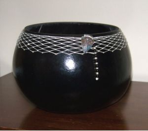 Black Gourd Bowl dry your own gourd and make gorgeous bowls in any color! Thx to the Amish!