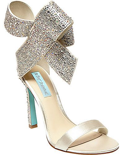 Omg Crystals And Bows Betsey Johnson Sold Out Betsey Johnson Shoes Bridal Shoes Evening Shoes