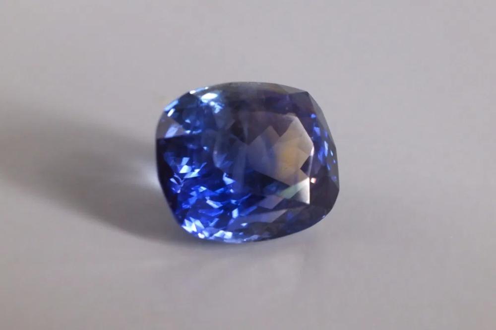 13ct Unheated Indigo Blue Ceylon Sapphire Bi Color Singapore In 2020 Sapphire Price Gems For Sale Indigo Blue