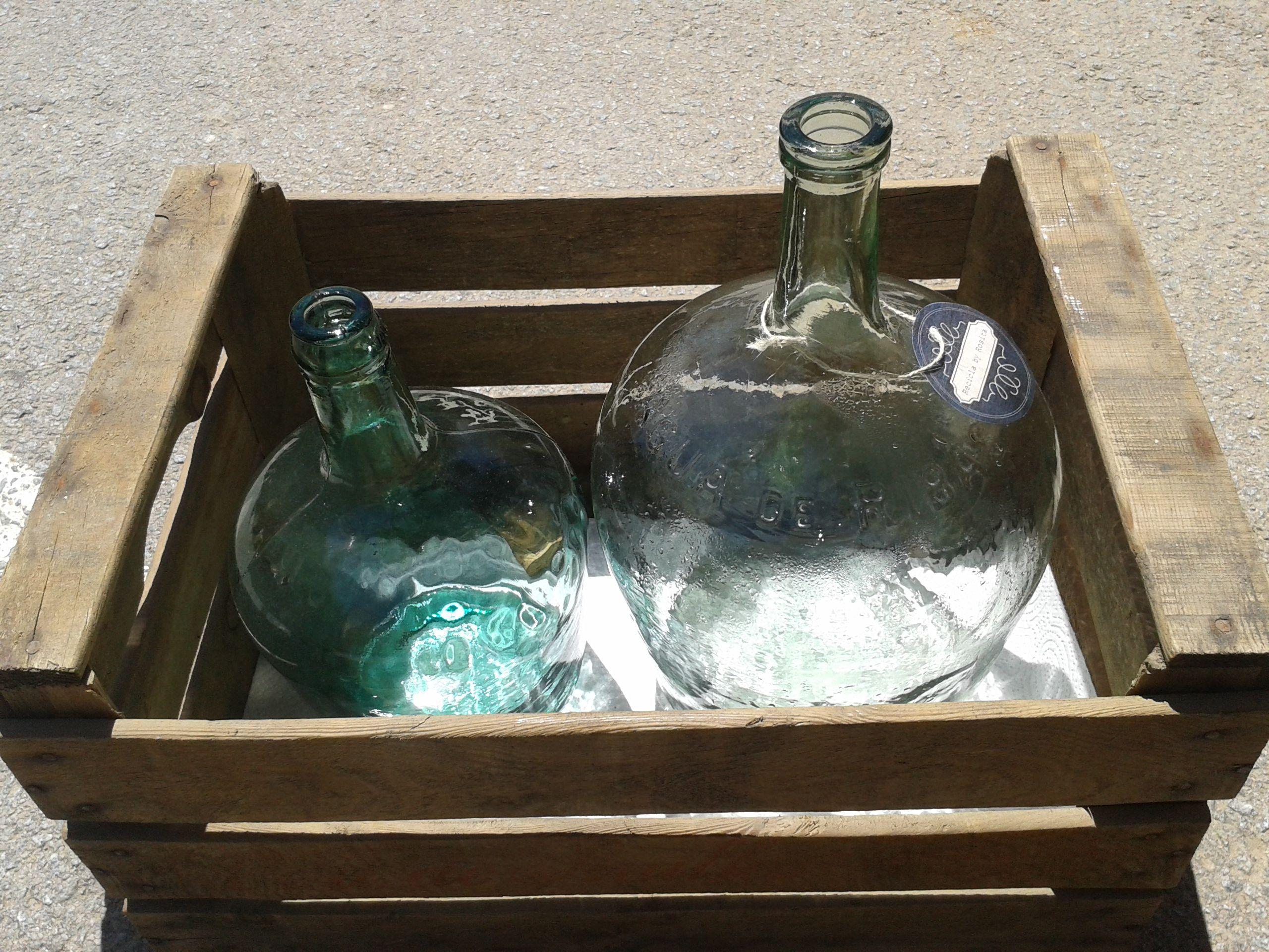 caixa antiga i ampolles