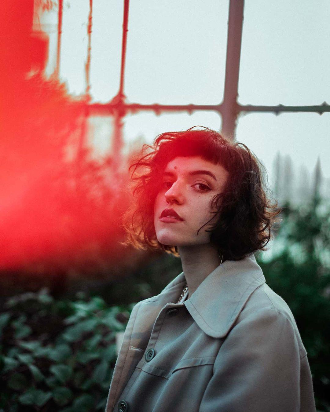 red lights. [Model @lexvitacolada ] ⁰⁴⁹/³⁶⁶ ʷᵉʳᵇᵘⁿᵍ⁻ᵛᵉʳˡⁱⁿᵏᵘⁿᵍ . . . . . _________ #portrait #pulsefilm #portrait_vision #fotoart #777luckyfish #berlinmodel #naturelight #portrait_today #globe_people #farbwolke #shootfilmunder1000 #forevermagazine #dreamermagazine #mitherzundlicht #folkfilm  #instakwer #forestphotography #berlin #human_art #availablelight #femalephotographer #of2humans #fatedmagazine