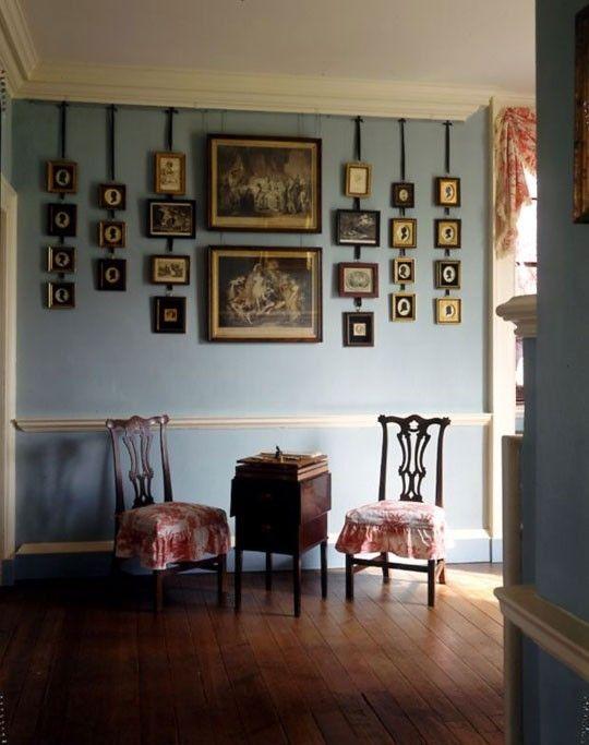 les 25 meilleures id es de la cat gorie accrocher des photos sur pinterest cadres photo miroir. Black Bedroom Furniture Sets. Home Design Ideas