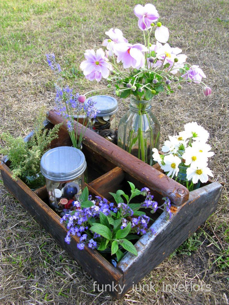 I LOVE decorating with... antique tool totes   Antique tools, Funky ...