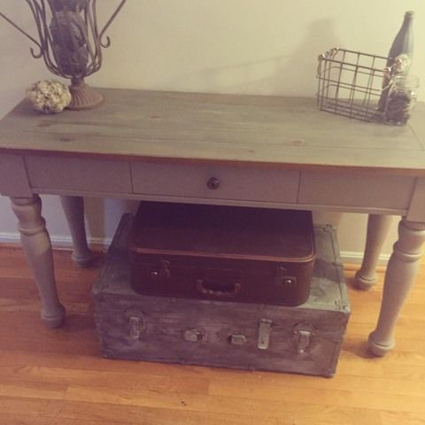 Broyhill Fontana Console Table That Has