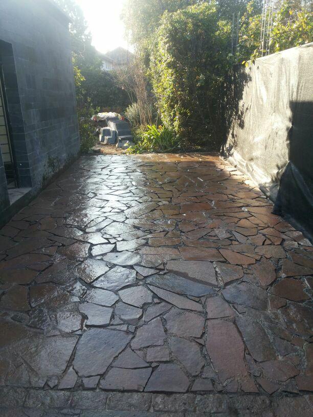 Piedra laja house ideas pinterest patios yards and for Pisos para patios exteriores