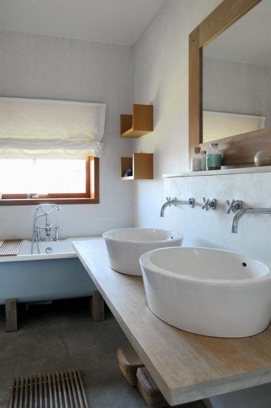Realxing Scandinavian Bathroom
