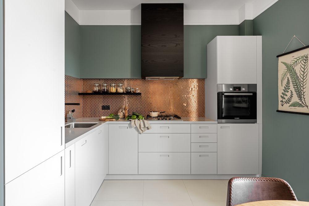 Kawalerka Z Charakterem Contemporary Kitchen Backsplash Kitchen Design Colorful Kitchen Backsplash