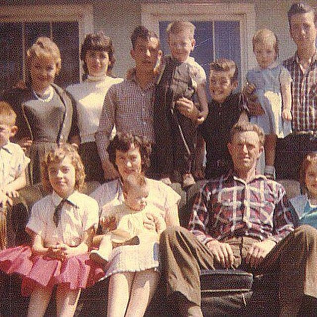 Dolly Top Left With Her Mama And Daddy And Siblings Dolly