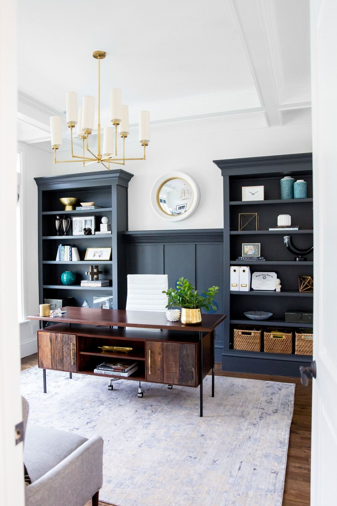 The Right Way To Mix Metals In A Space Home Office Decor Home Office Space Home Decor