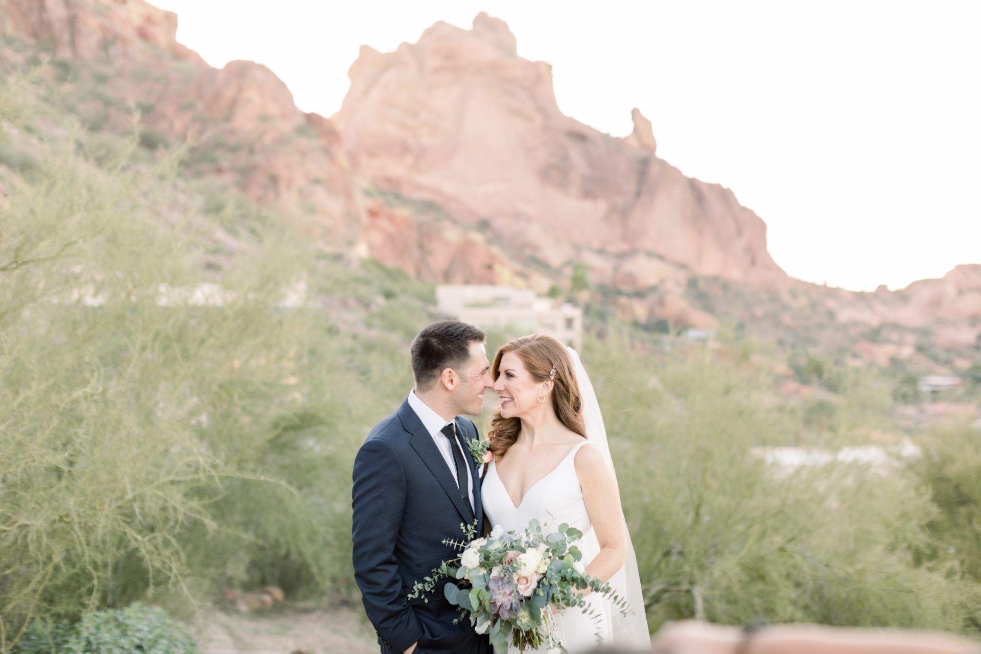 Real Weddings Amanda Jeff S Elegant Desert Wedding In Paradise Valley Az Desert Wedding Real Weddings Arizona Wedding