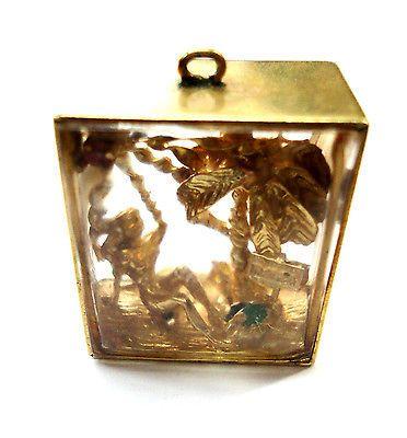 Vintage-14K-Gold-OLD-FLORIDA-GLASS-BLOCK-LADY-SUNBATHER-PALM-TREE-BEACH-CHARM