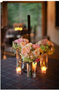 Simple vase avec de jolies roses