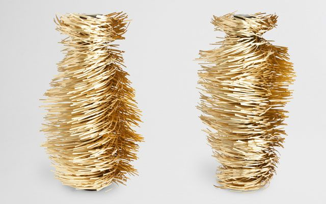 hirsutio vases {by giles miller, via today and tomorrow}