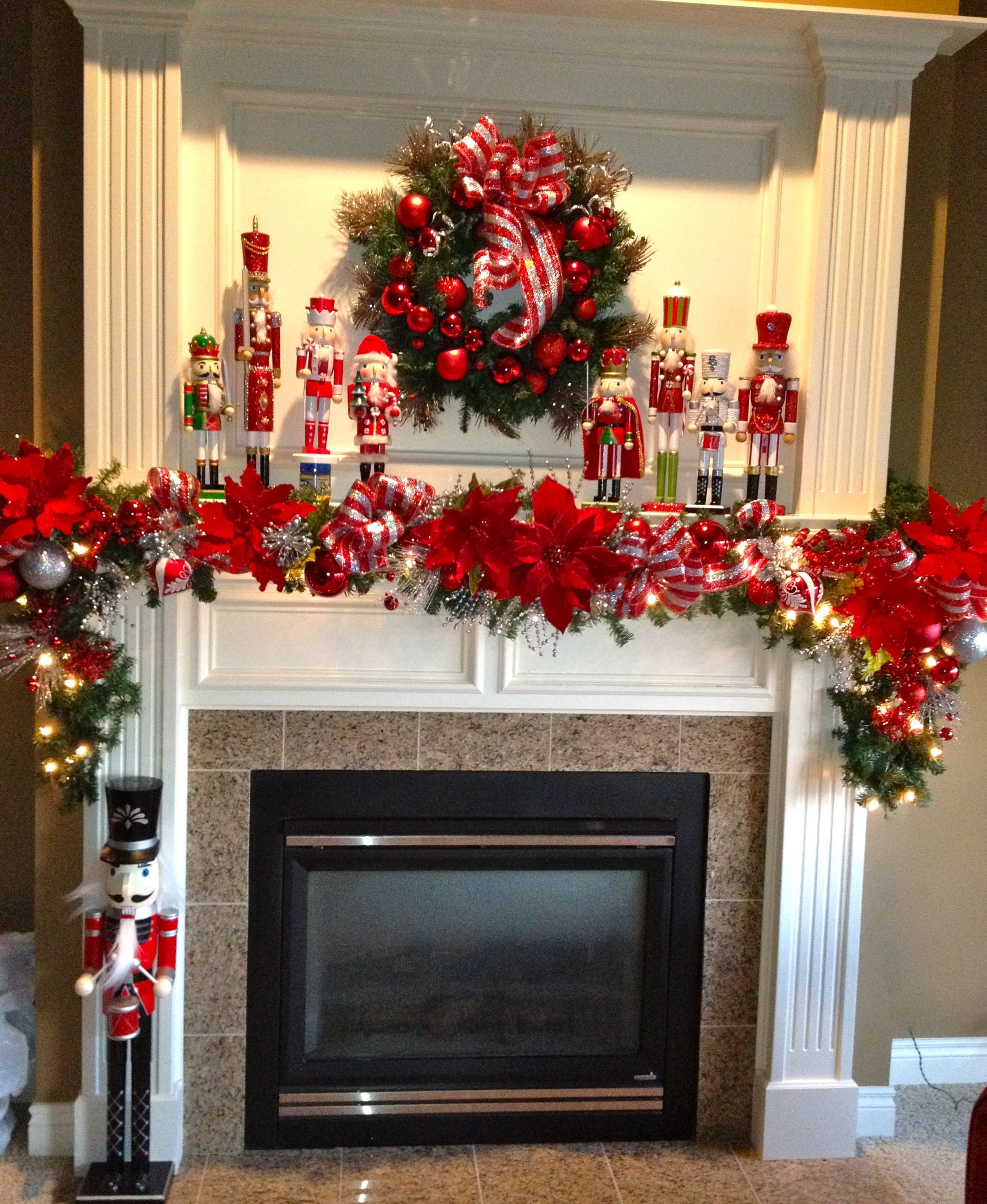 related image - How To Decorate A White Fireplace Mantel For Christmas