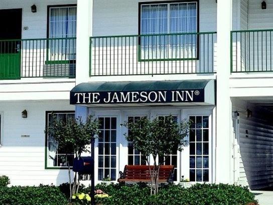 Albany Ga Baymont Inn Suites Albany United States North America Located In Westhampton Baymont Inn Suites Albany Hotel North America Booking Hotel