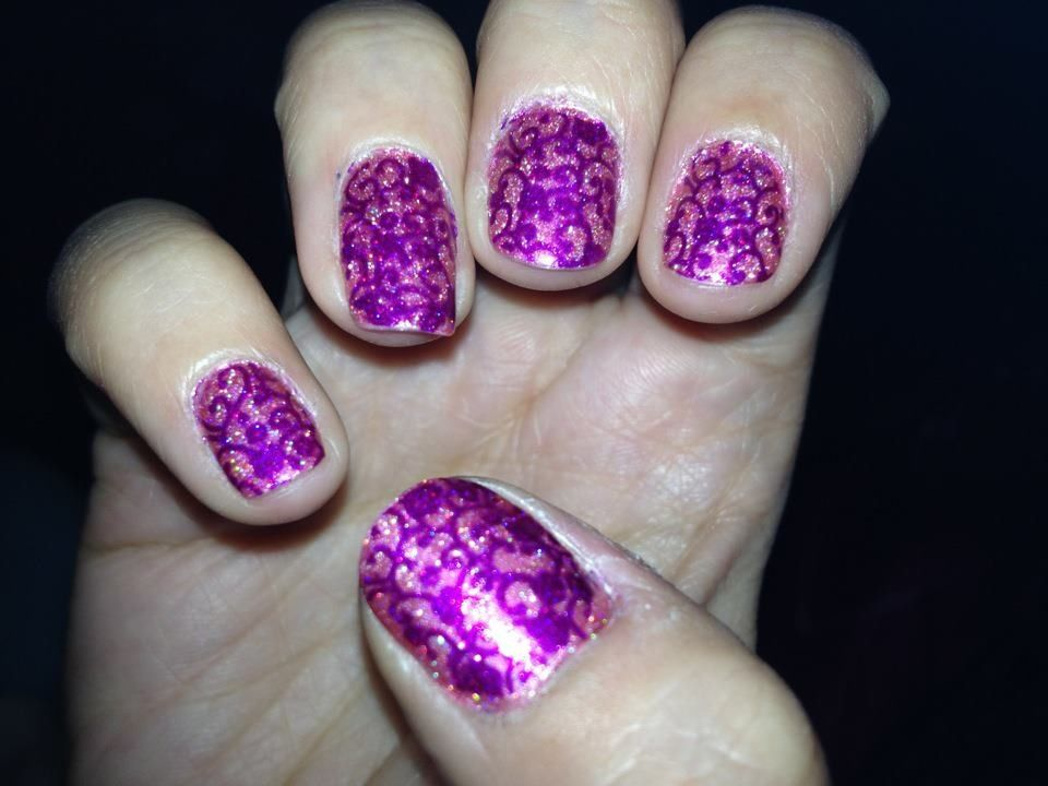 Kleancolor\'s holo pink stamped with kleancolor\'s metallic fuschia ...