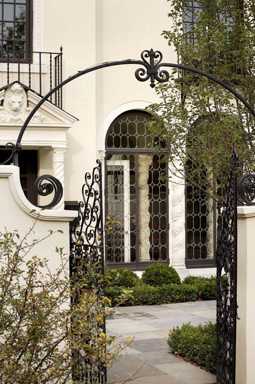Karl Sponholz Spanish Eclectic Front Courtyard Casa