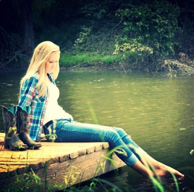 Senior Picture Ideas In The Country: Senior Pic?! Umm Yes!!!