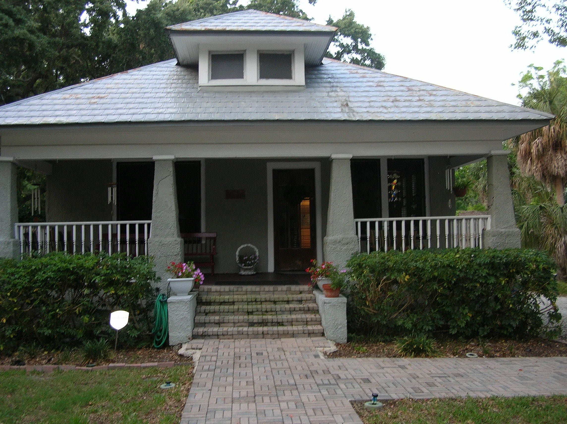 architecture bungalow house and front door porch
