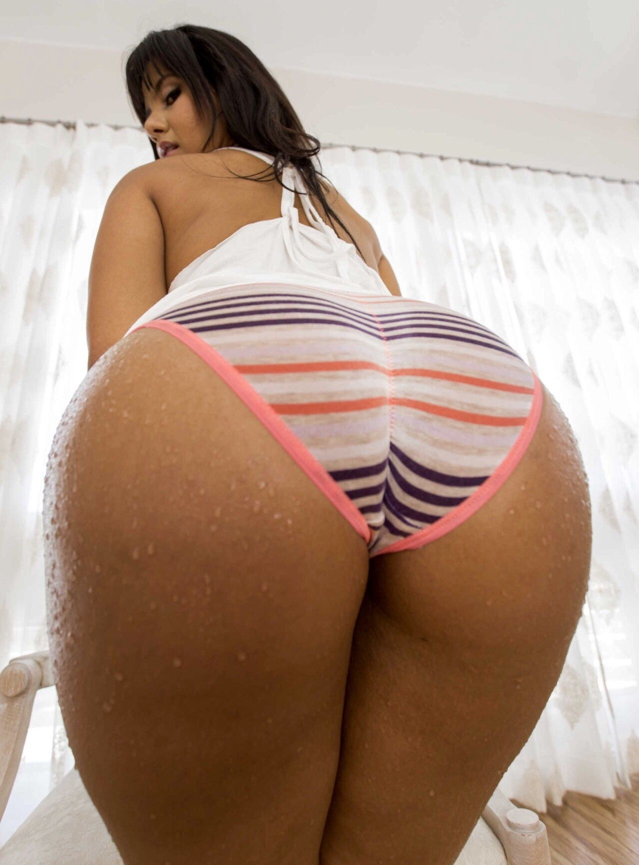Asian phat azz like this!
