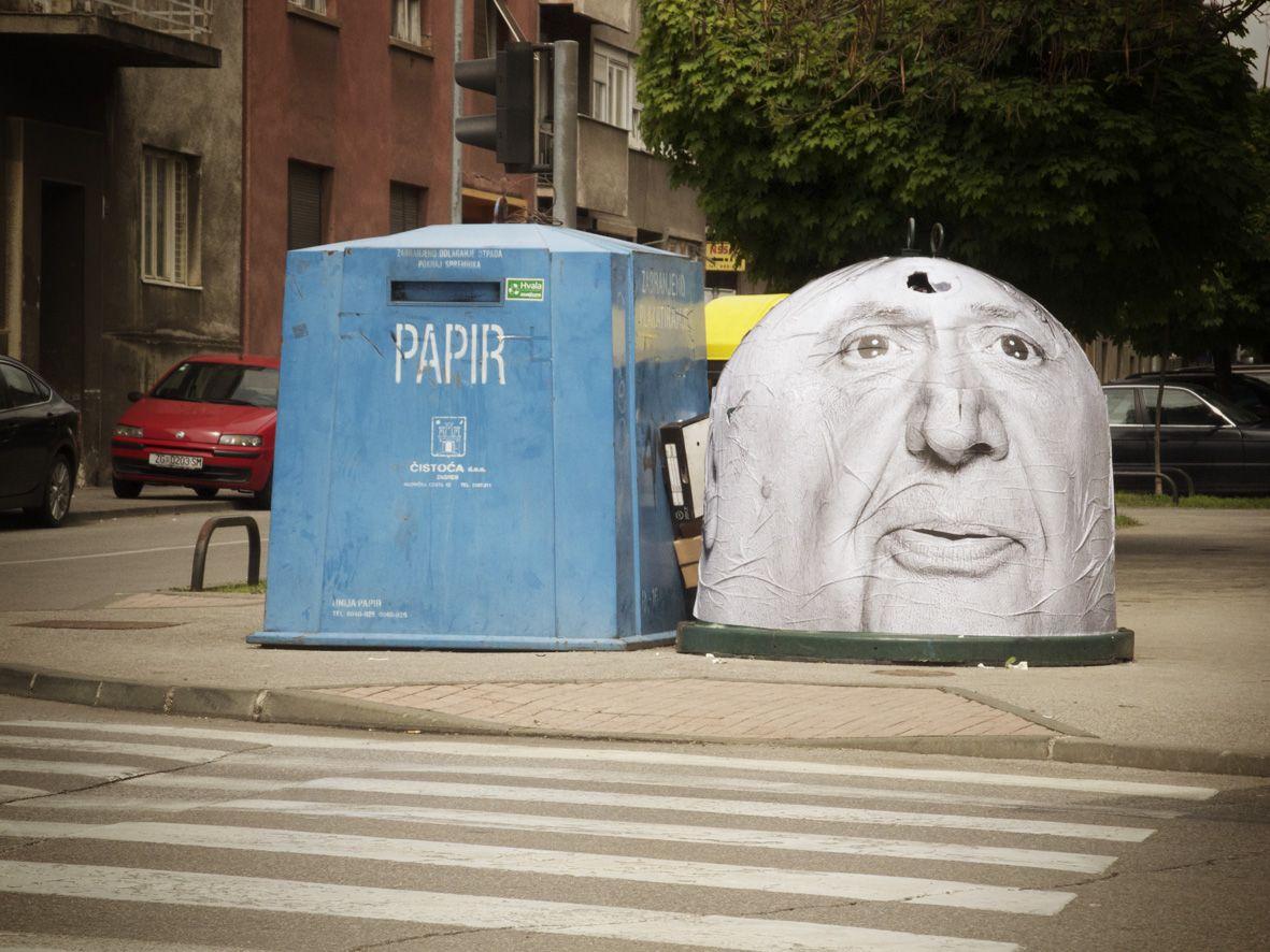 Mentalgassi Est Un Groupe De Street Art Qui Detourne Des Aspects Du Paysage Urbain Avec Beaucoup D Humour Paysage Urbain Street Art Boite Verte