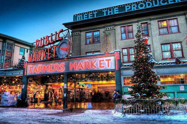 Seattle Christmas.Seattle Pike Place Market At Christmas Washington Oregon