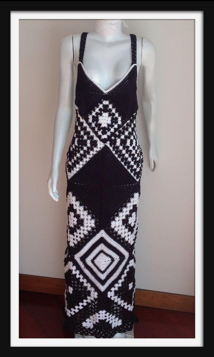 dcc3566d7 Vestido longo em crochet preto e branco