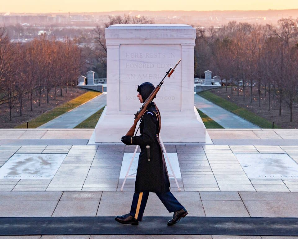 Sentinel Walks Tomb Of The Unknown Soldier Unknown Soldier Arlington National Cemetery United States Military