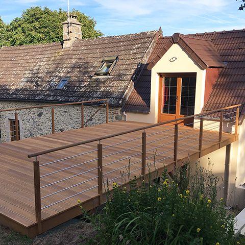 Terrasse suspendu en bois exotique Une création Les Nouveaux