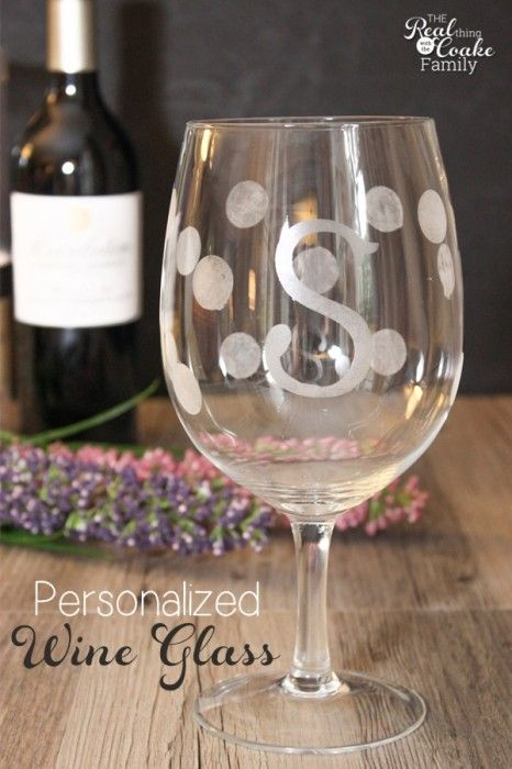 582a6a4faa2 I love DIY gift ideas and Personalized gifts! This tutorial to make  gorgeous wine glasses look like a perfect gift idea. Might have to make a  few of this ...