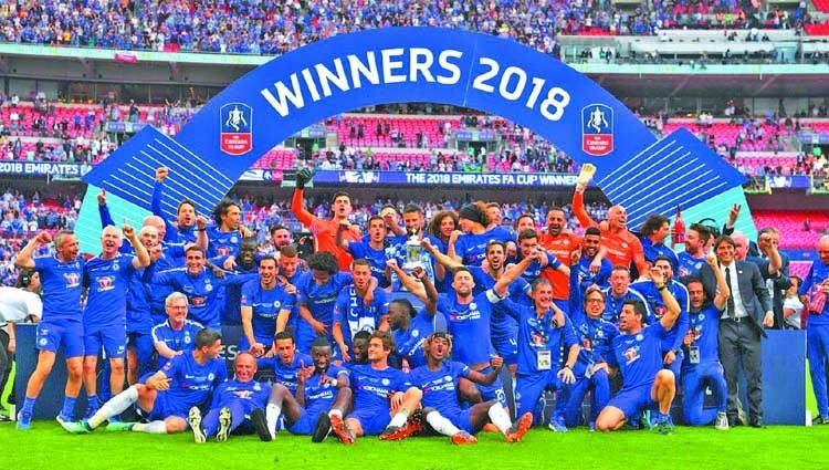 Hazard The Difference As Chelsea Edge Manu In Cup Final Chelsea Football Team Chelsea Chelsea Football Club