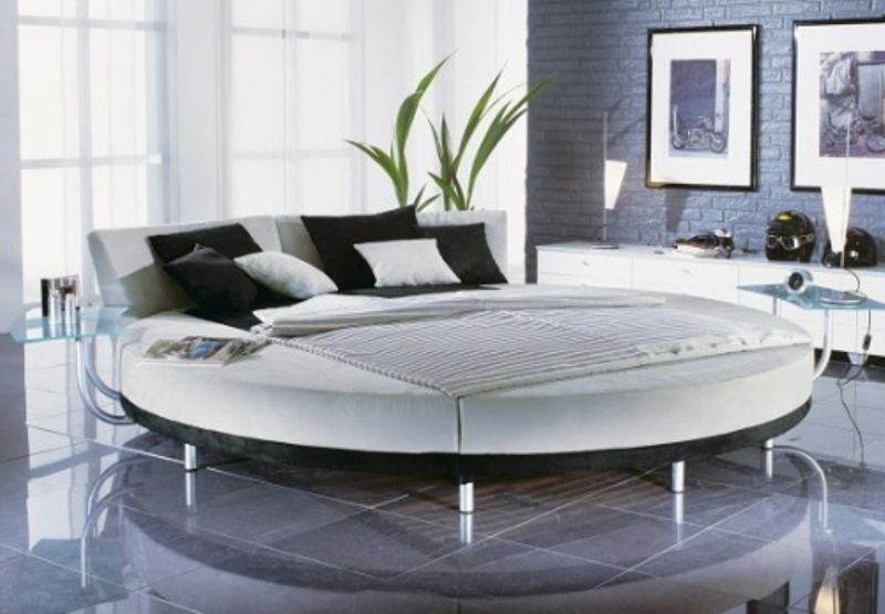 25 Round Beds for those who want to be different | Round beds, Bed ...