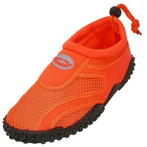 6314c53742a3 10 Best Water Shoes to Buy (Updated on 2018)