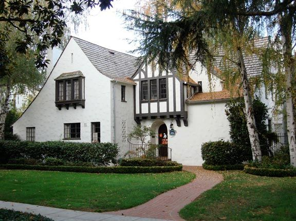Charming House In Palo Alto Built In Late 1920u0027s Designed By Architect Charles  Kaiser Sumner